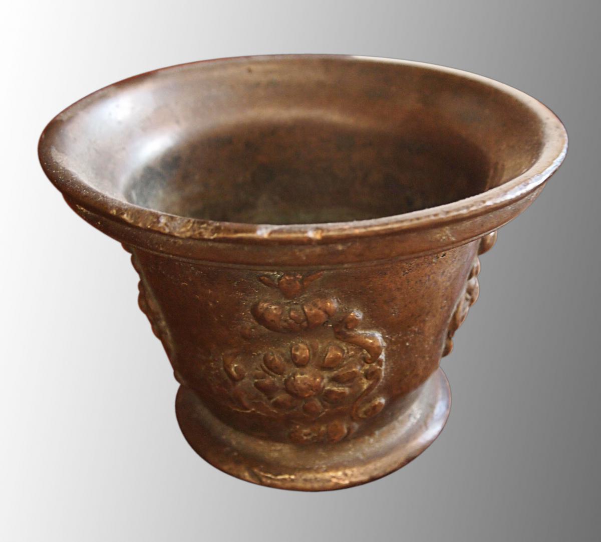Mortier En Bronze, 17e Siècle