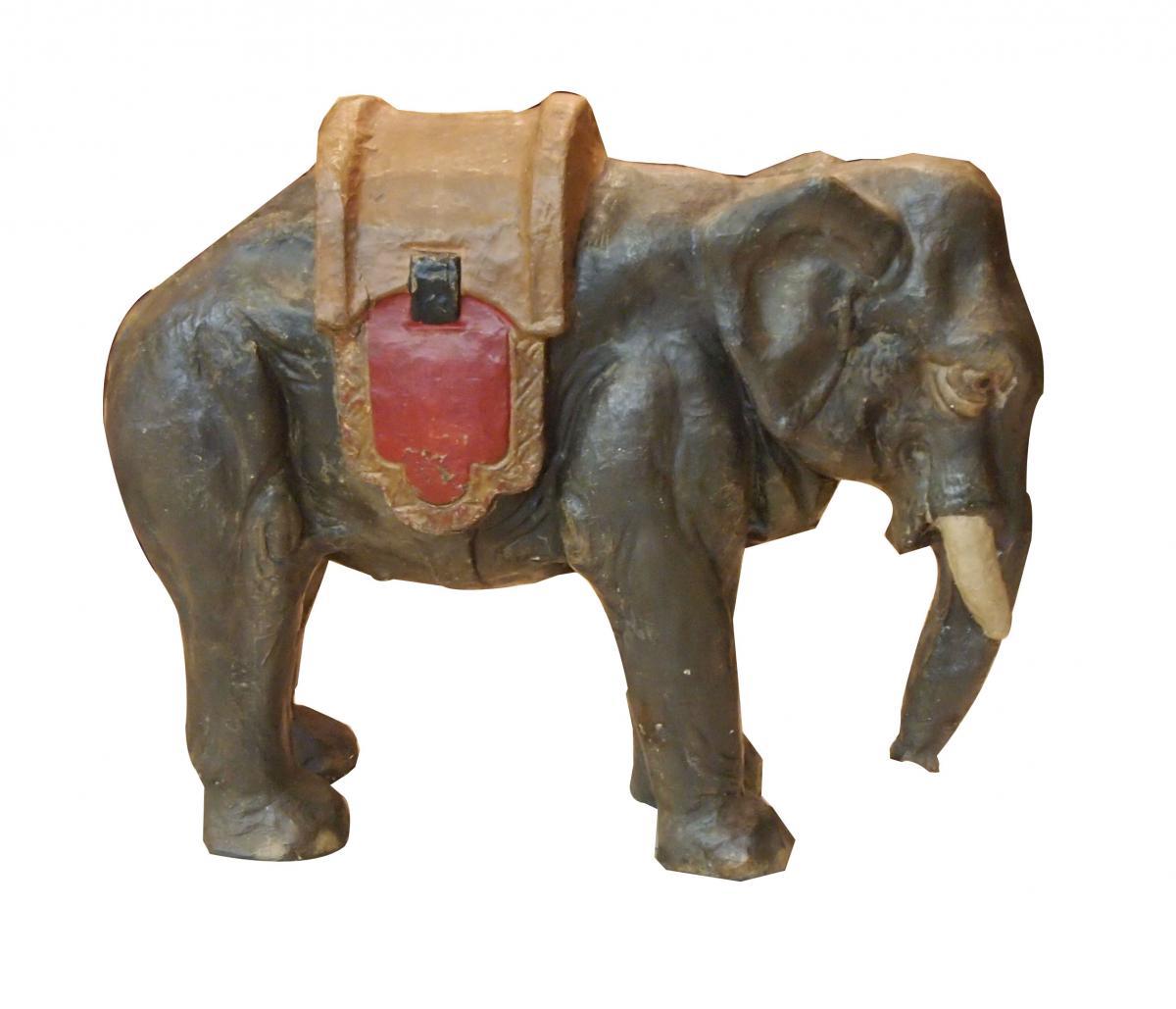 Eléphant En Papier Mâché époque 19e Siècle Peint