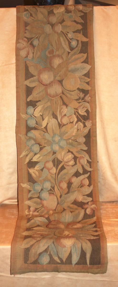 Une Bordure Ancienne, Tapisserie, XVIIIème