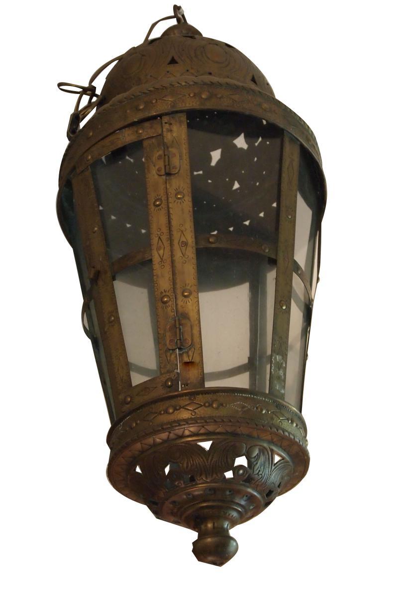 Une Lanterne En Cuivre XIXème