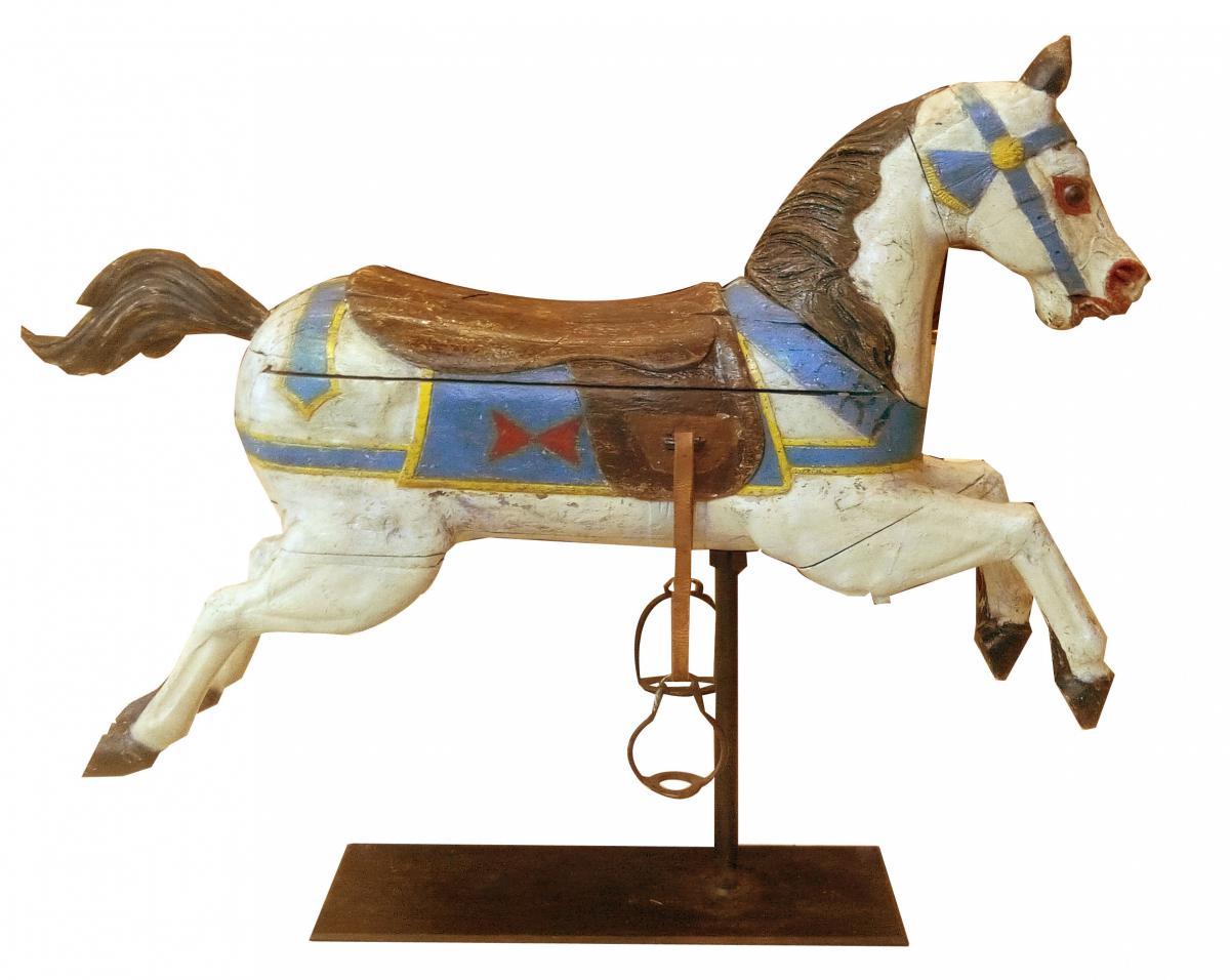 un cheval de man ge en bois peint epoque fin xixeme art forain. Black Bedroom Furniture Sets. Home Design Ideas