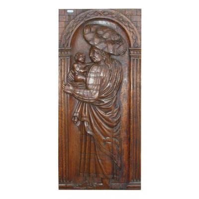 Une Sainte Avec Enfant En Noyer Sculpté,