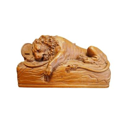 Petite Sculpture En Bois, Lion Avec Croix