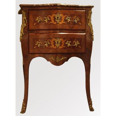 Une Commode Style Louis XV