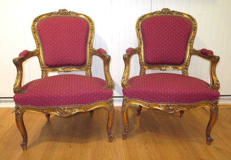 Paire de fauteuils en bois doré -  Style Louis XV