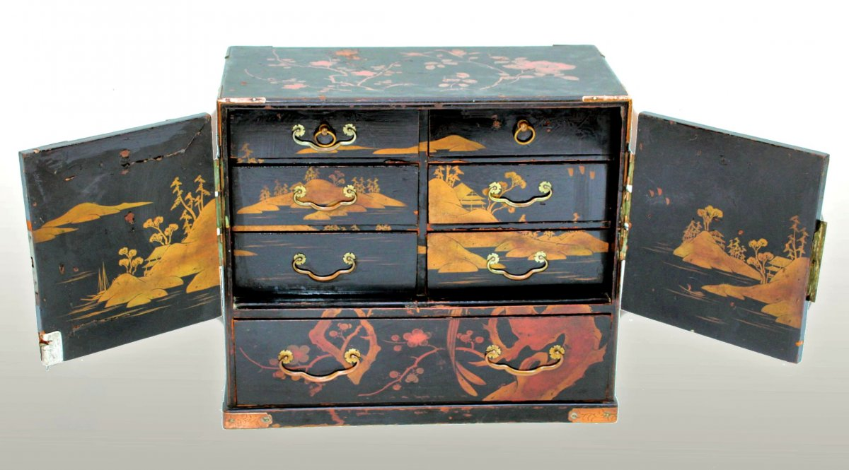 Lacquered Cabinet From Japan Meiji Period (1868-1912)