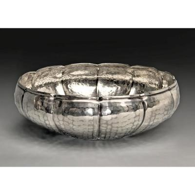 Art Deco Cup In Silver Dinanderie
