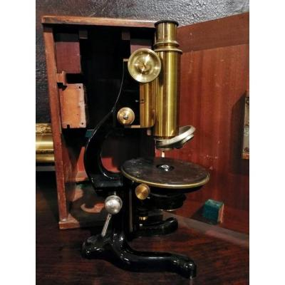 Microscope From The Late 1800s To Early 1900s, Complete With Wooden Box.