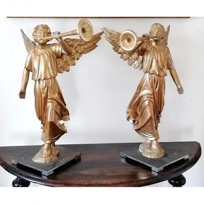 Magnifique Paire d'Anges Musiciens Tard-baroques En Bois Doré Italia, 70 Cm