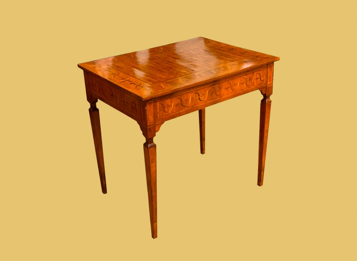 Inlaid Coffee Table, Attributed To Francesco Spighi - 1780