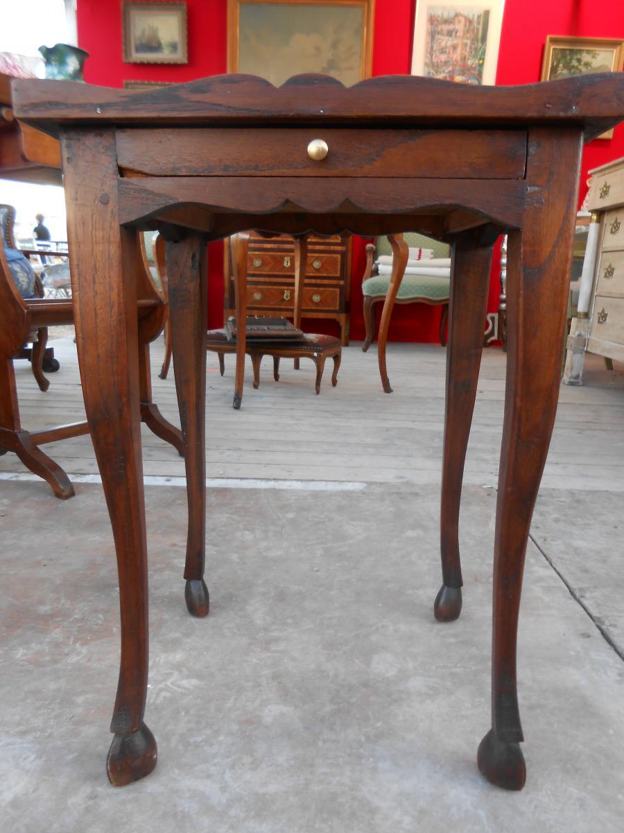 table de chevet chevets anciens. Black Bedroom Furniture Sets. Home Design Ideas