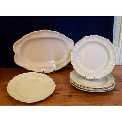 Moustiers :Rare Ensemble d'assiettes en Faience + 1 grand plat . XVIIIeme Siecle