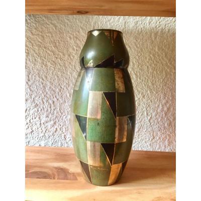 HENRI RISCHMANN . Vase ovoide en dinanderie . Art Déco
