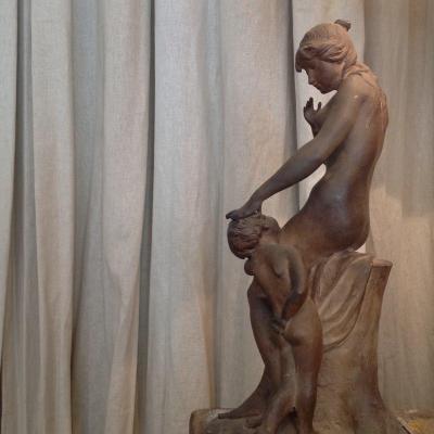 Femme Et Enfant. Terre Cuite Par Joseph Carlier