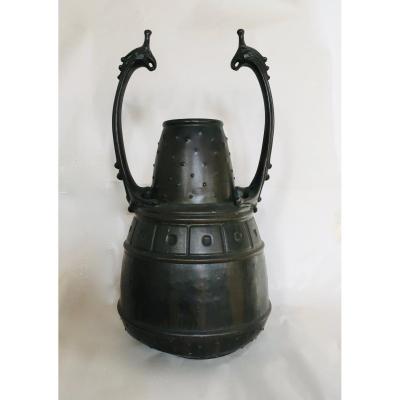 Isis Important Vase En Dinanderie  Art Nouveau, Travail De l'Europe Du Nord Vers 1900