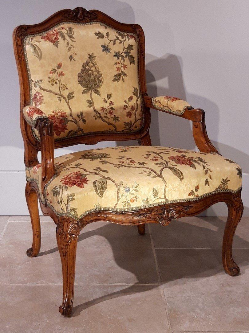 Paire de fauteuils Louis XV en noyer époque XVIII°-photo-4