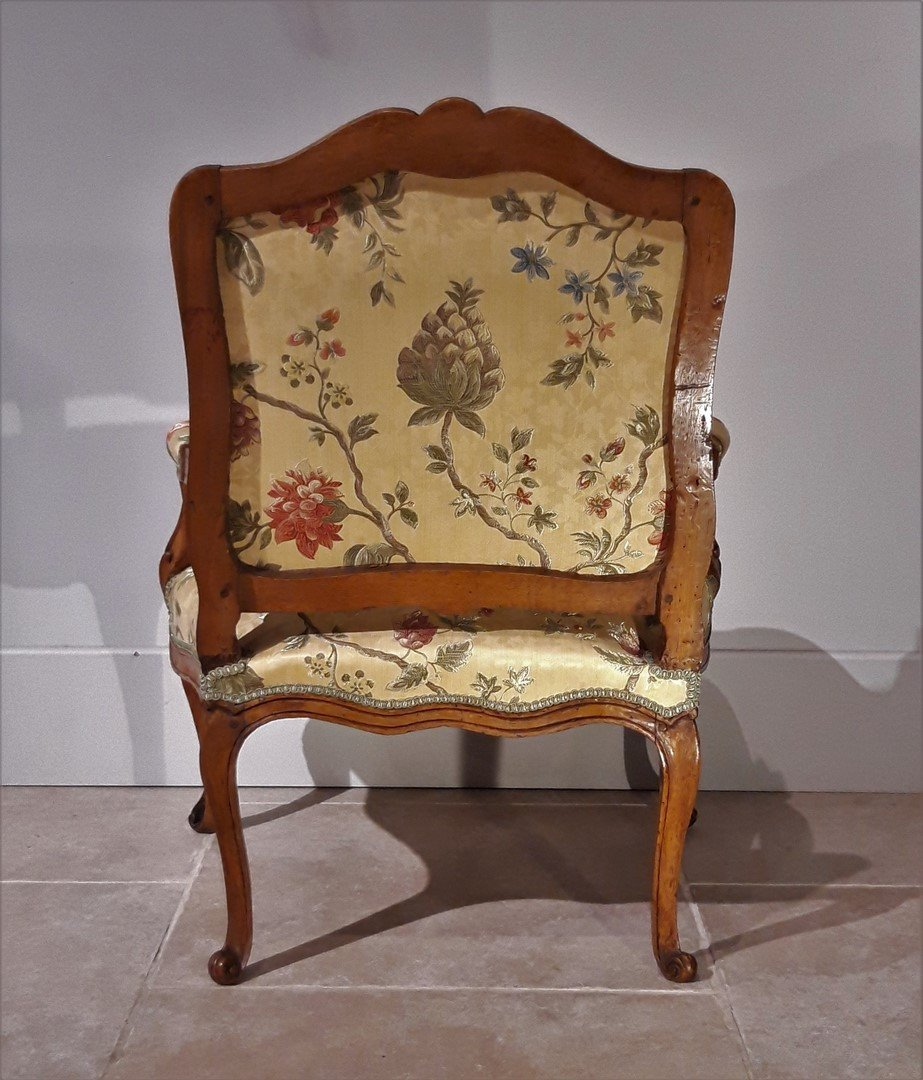 Paire de fauteuils Louis XV en noyer époque XVIII°-photo-1