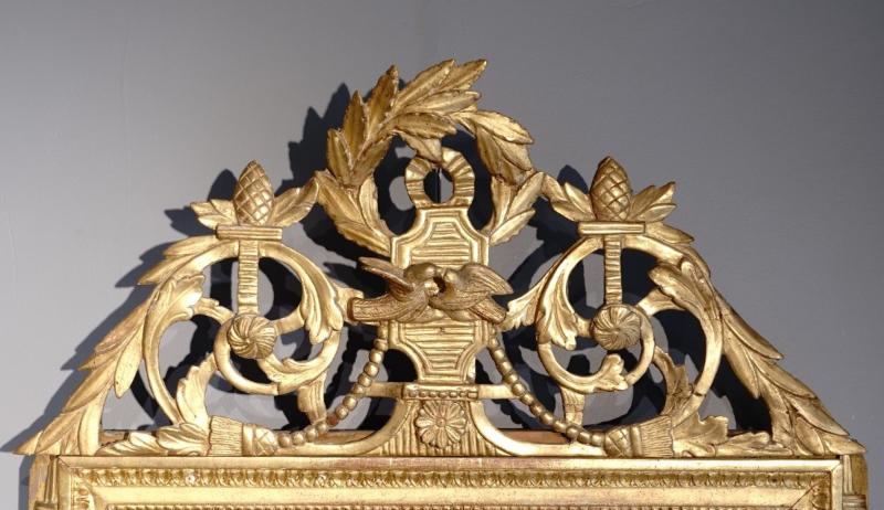 Miroir Louis XVI en bois doré aux attributs de « l'Amour », d'époque XVIII°-photo-2