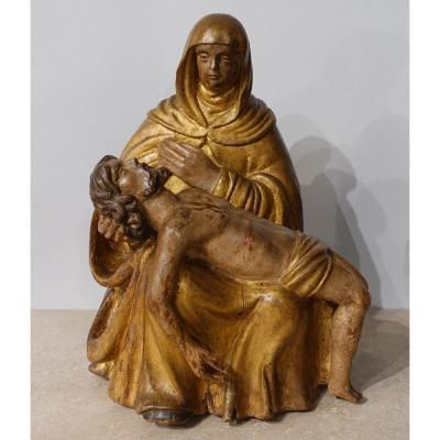 Piéta en bois sculpté polychrome d'époque XVII°