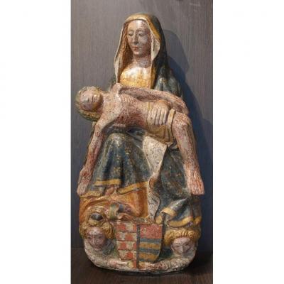Pietà en pierre sculptée polychromée et dorée – Époque XV°