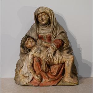 Vierge de pitié en pierre polychrome circa 1500