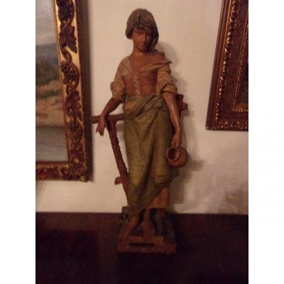 """Large Polychrome Terracotta """"girl With A Jug"""" From The Late 19th Century"""