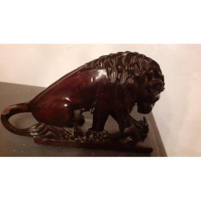 """Belle sculpture En Bois """" lion tuant un serpent """"epoque XXeme siècle"""