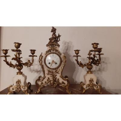 Jolie Garniture En Albatre Et Bronze De Style Rocaille