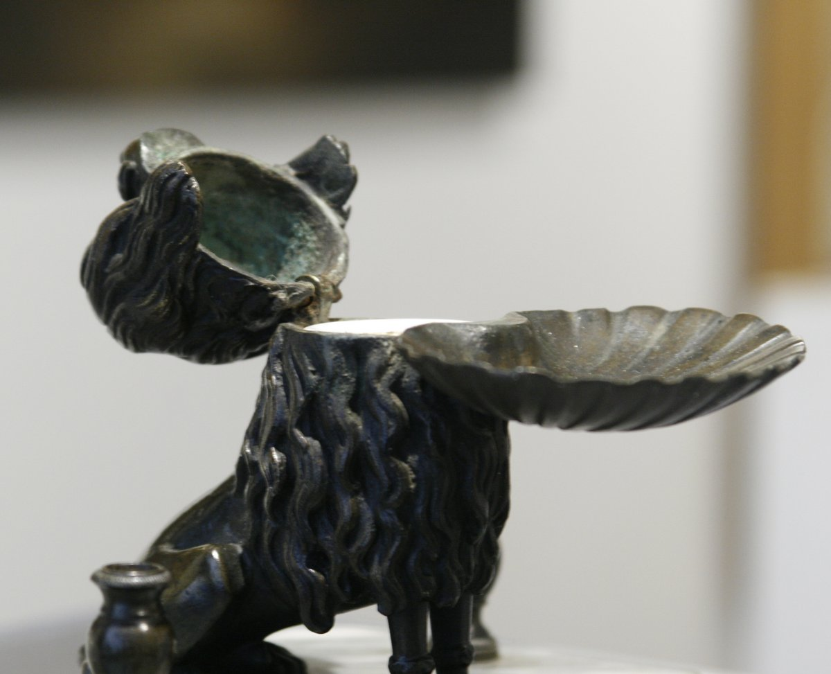 Inkwell Of A Dog In Bronze-photo-3