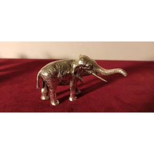 Éléphant En Argent