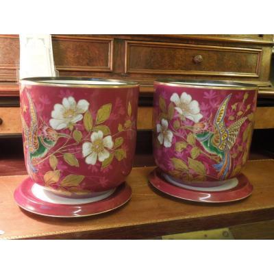 Paire De Cache Pots En Porcelaine Emaillee Et Ses Sous Coupes
