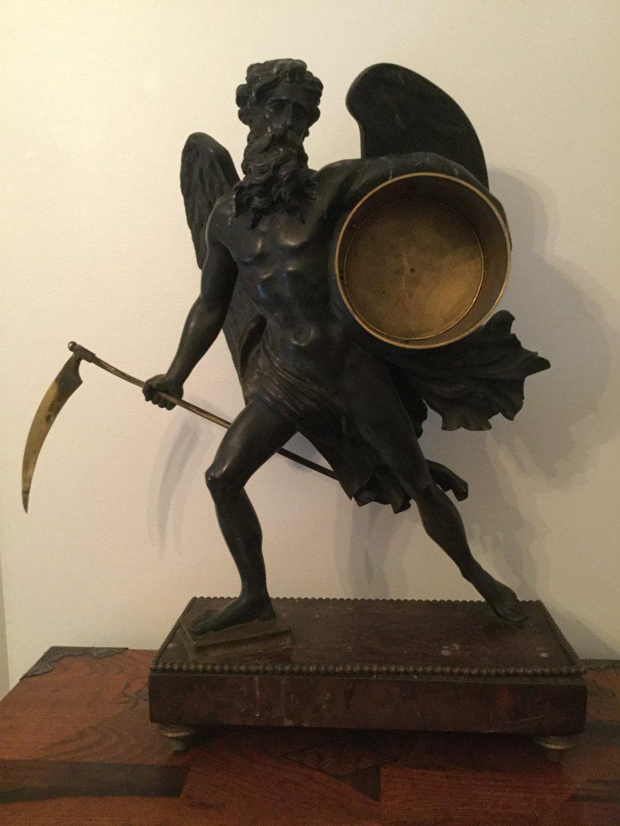 Pendule Représentent Chronos époque XIXÉme