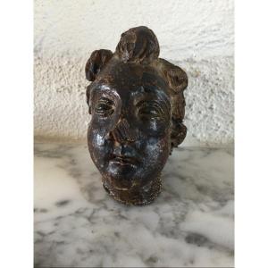 Head In Carved Wood Era XVII / XVIII