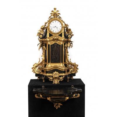 horloge cantilever