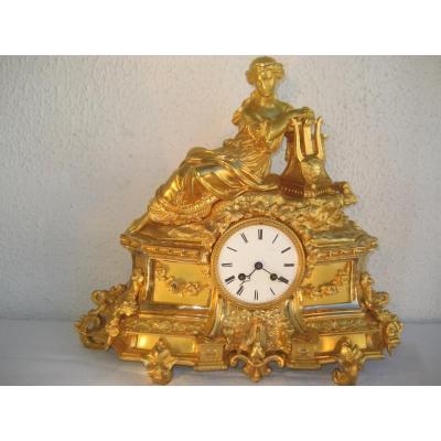 Importante Pendule Du XIXème Bronze Dore Jeune Femme A l'Antique
