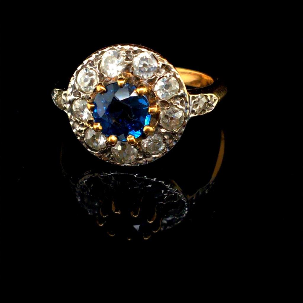 Pompadour Sapphire Diamonds Ring