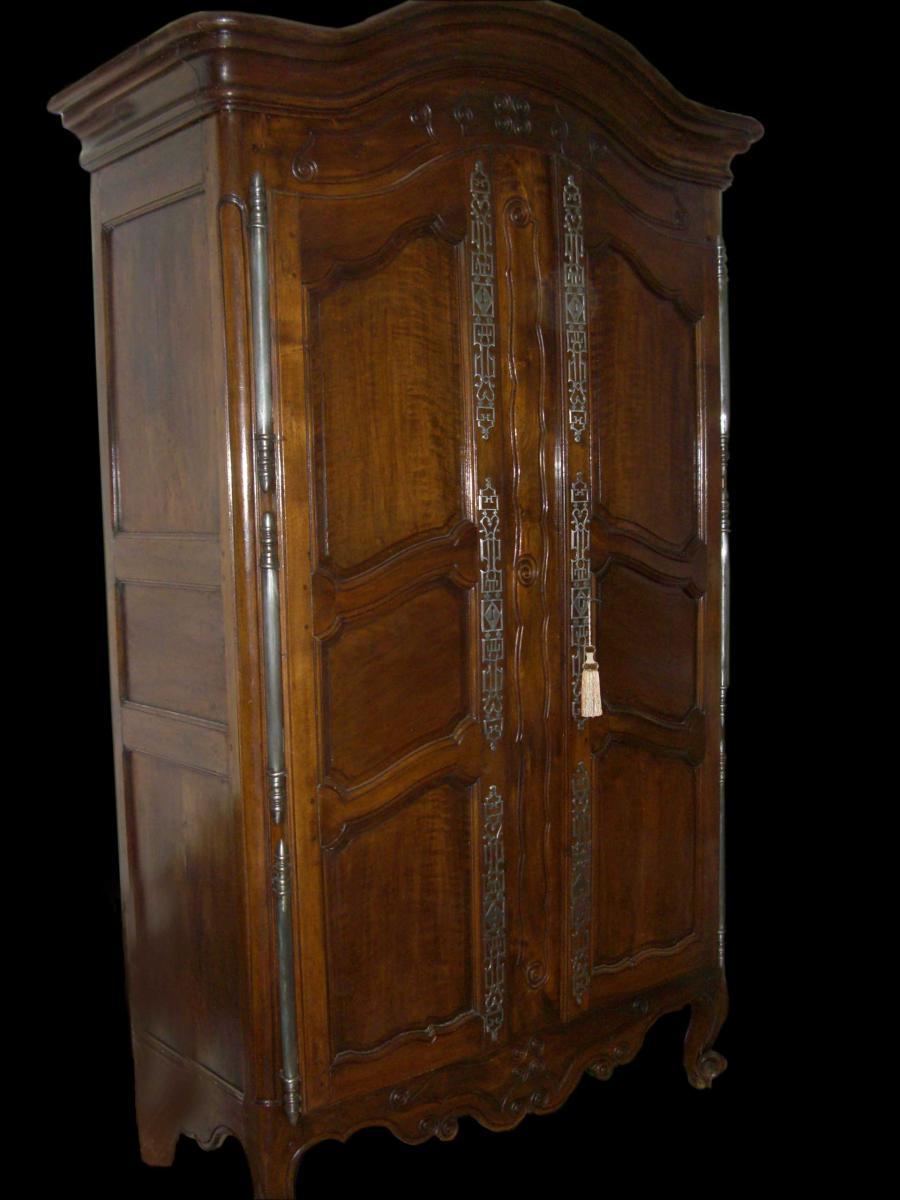 armoire louis xv proven ale armoires. Black Bedroom Furniture Sets. Home Design Ideas