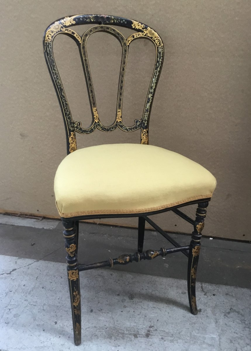Du grenier d'un château, suite succession : chaise Napoléon III