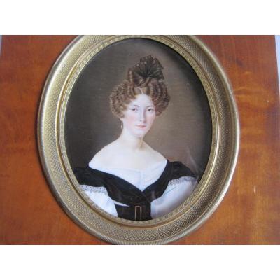 Miniature Portrait d'Une Femme, ècole Française, XIXe