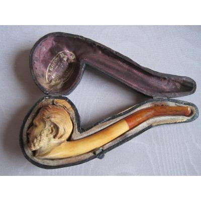 Fume Cigar En écume De Mer, représentante  un homme avec grand favoris, fin du XIXè siècle