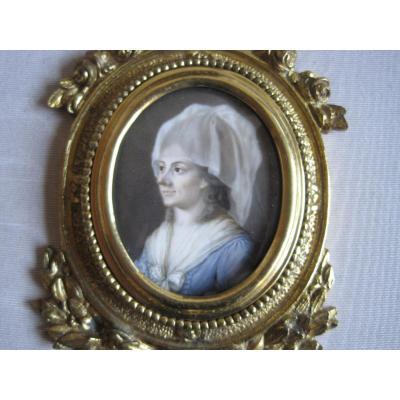 Portrait Miniature Sur Ivoire d'une Dame,  France, Fin Du XVIII Siècle