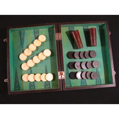 Backgammon ou Jacquet /  Jetons Ivoire & Bois  - Gobelets En Cuir / Cheney Uk England -