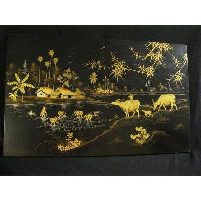 Large Lacquer From Vietnam - Asia / Black Lacquer & Gold Paint / 80 X 40 Cm