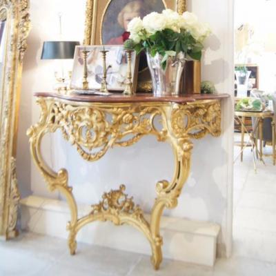 Console en Bois Sculpté de Fleurs et Dorée Louis XV