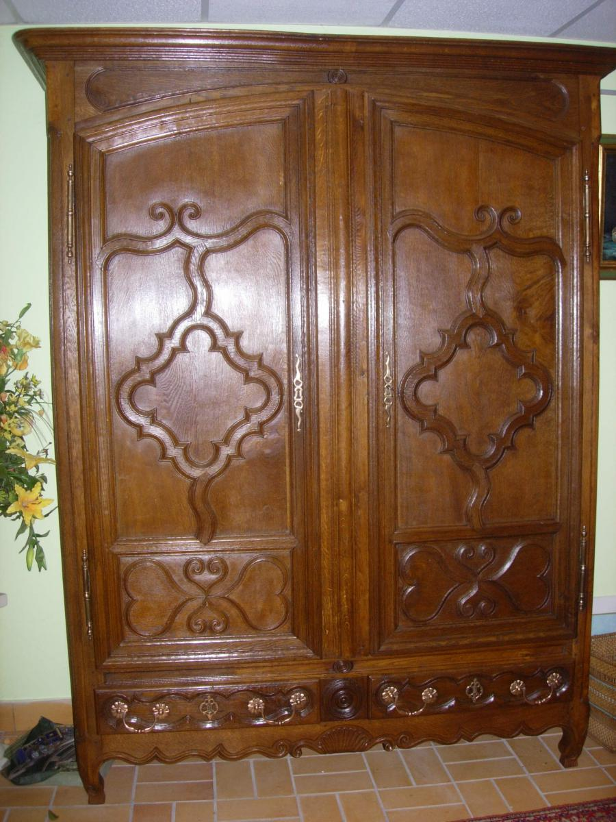 Lorraine Wardrobe With Drawers Armoires