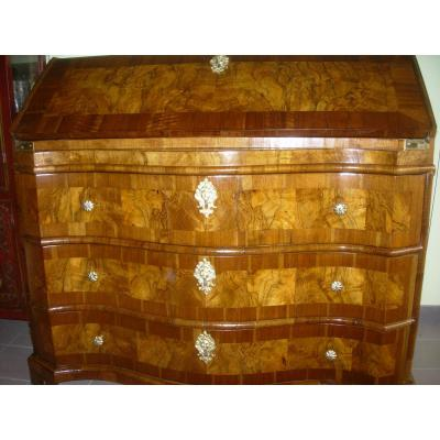 Commode scriban Galbée Noyer époque LXIV