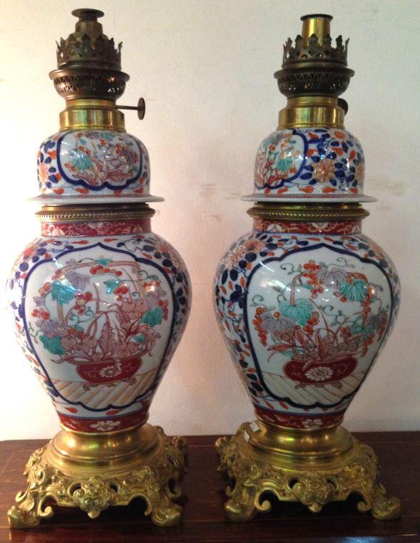 Paire De Lampes A Petrole Porcelaine Imari H 45cm Objets De Decoration