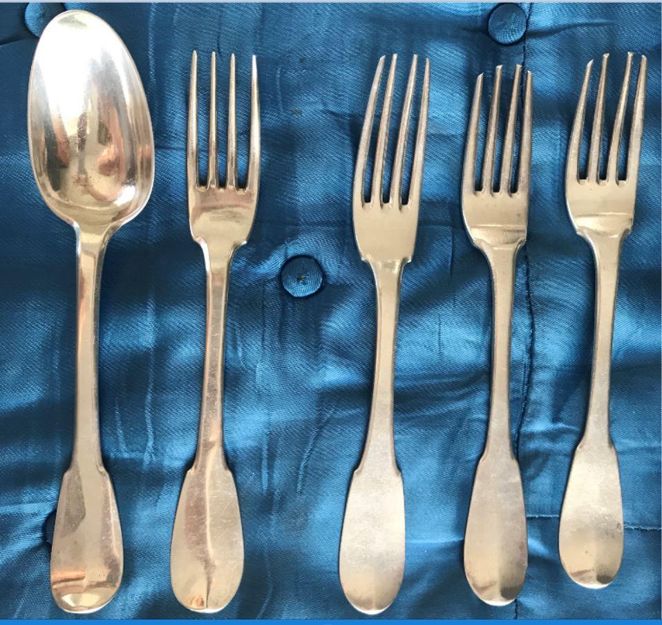 Couverts Argent 4 Fourchettes + 1 cuillère à soupe - XVIII° -modèle Uniplat