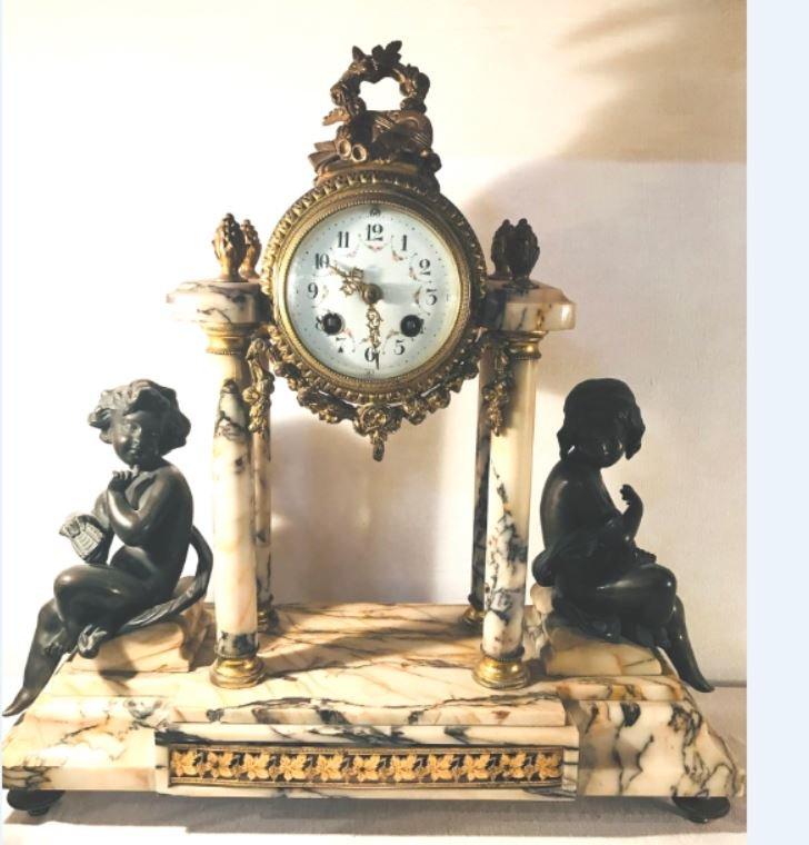 Pendule Portique Marbre et  Enfants en Bronze -  XIX°