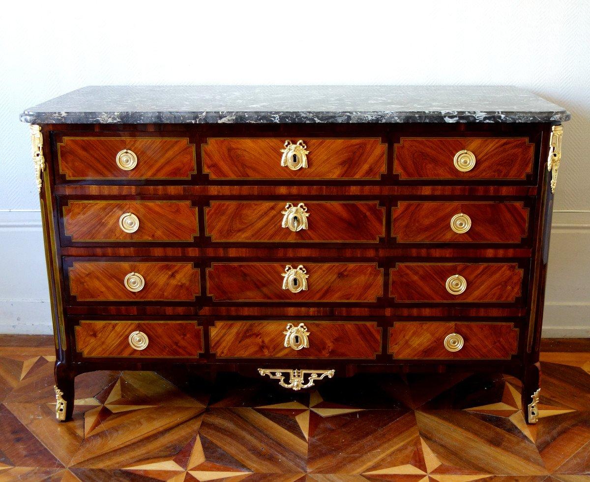PA Veaux - Longue Commode Pantalonnière En Marqueterie d'époque Louis XVI - 145cm - Estampillée